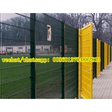 Soldado de alta resistencia en cada valla de malla de alambre de intersección