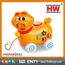 Los animales de dibujos animados tiran de la línea y van juguete de juguete Juego de juegos para el bebé juguete móvil