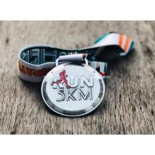 Изготовленная на заказ антикварная серебряная металлическая медаль 2020 года для бега