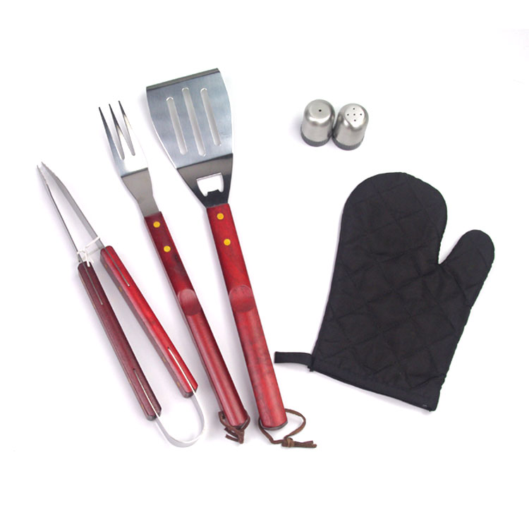 bbq tools set in apron