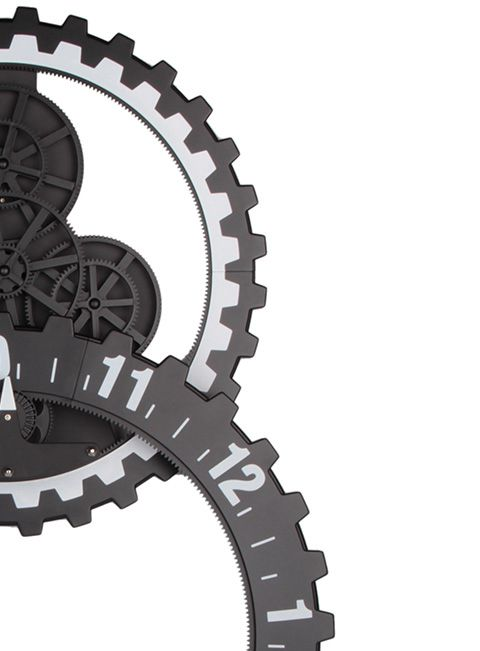 Oversize gear wall clock