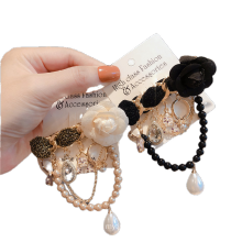 Fall Winter Tassel Flower Chain Designer Brooch Pin for Women Girl Coat Sweater Accessories Vintage Badge Fashion Jewelry
