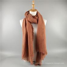 Nouveau design quatre côtés glands plaid froissé coton dubai musulman hijab écharpe en gros