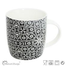Taza de cerámica de 12 onzas con diseño de etiqueta de flor negra