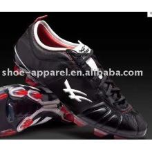 Zapato de fútbol Spike para hombre 2014