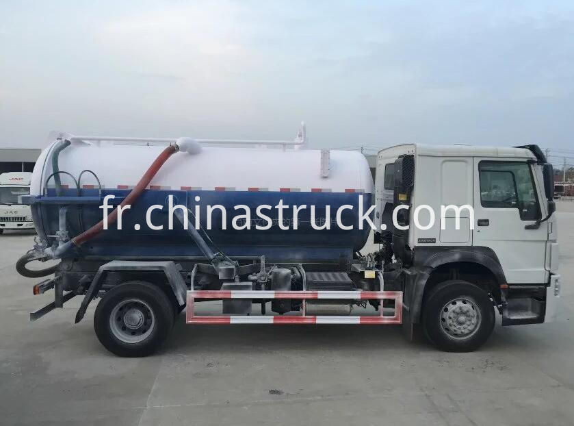 SINOTRUK HOWO 10000 liters fecal suction tank