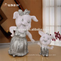 Hot selling christmas decoration small standing table resin pig mother and pig child animal figure