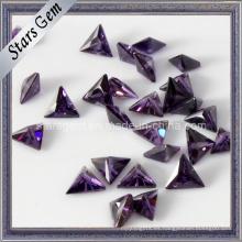 Precio bajo triángulo corte piedra cúbica de circonio