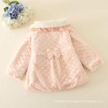 Tamanhos personalizados itens para crianças preço barato inverno vestuário OEM para crianças roupas casacos / casacos dooted com chapéus rosa