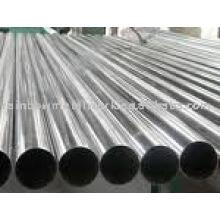 Poteaux en acier et en aluminium pour l'éclairage, le contrôle du trafic, la signalisation et la communication