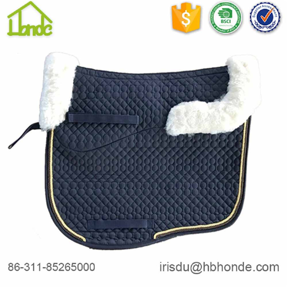 Diferente Piping Caparison Sheepskin Horse Saddle Pad