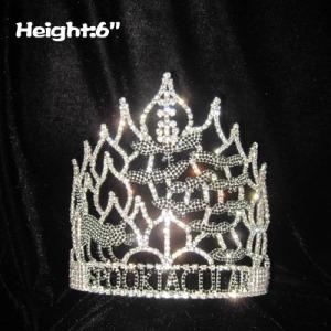 Crystal Spooktacular Halloween Crowns con gato en él