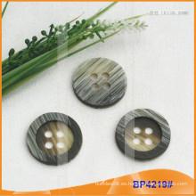 Botón de poliéster / Botón de plástico / Botón de camisa de resina para el escudo BP4219