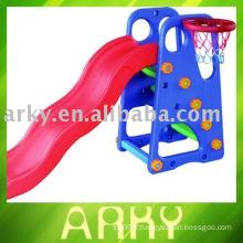 Bouteille de jouets en plastique pour enfants avec panierry