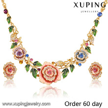Ensemble de bijoux de fleur d'imitation plaqué or 18k luxe Fashion avec strass (S-8)