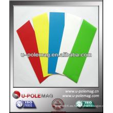 Hoja magnética de caucho pegajoso coloreada