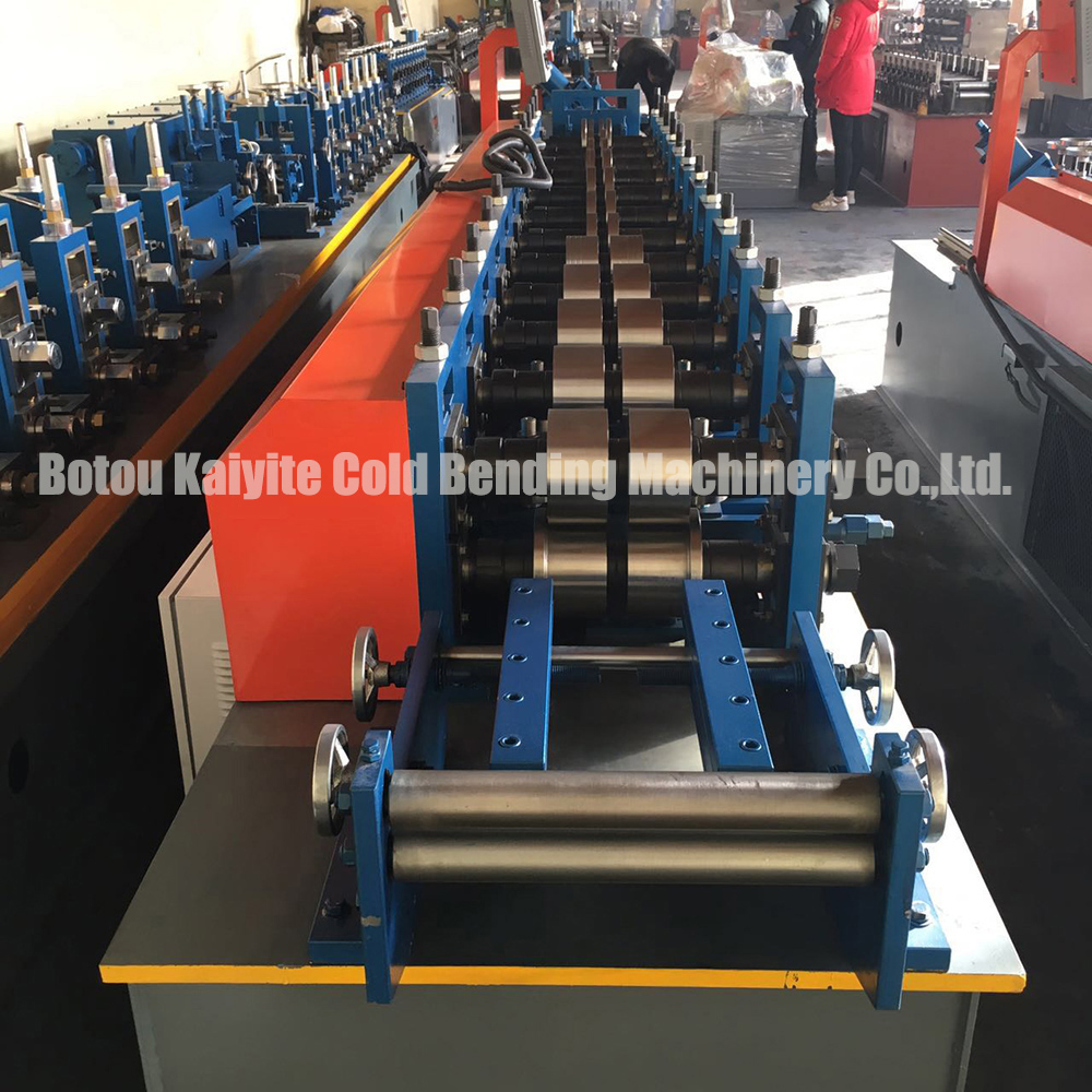Automatic Light Keel Machine