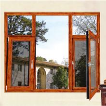 Los diseños modernos de las ventanas representan ventanas de triple esmalte.