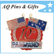 Metal Gold Flag Crossed Pin Badge with Enamel Badge (badge-040)