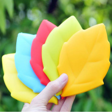 Eco-Friendly Portable Maple Leaf Silicone Cup Travel Cup Pocket Cup