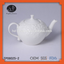 White porcelain teapot 650ml,embossed ceramic teapot with lid,embossed teapot