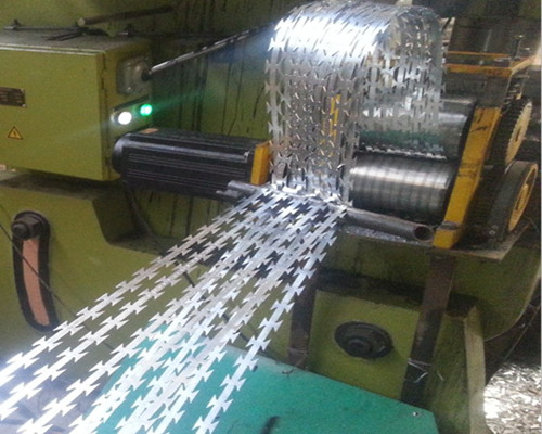 razor barbed wire production 1