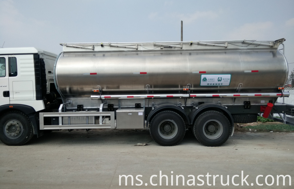 Aluminum tanker for ethylalcohol