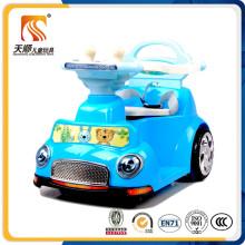 Kinder fahren auf Auto-Rad-Elektroauto-Großverkauf des Autos 4