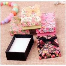Boîte de collier de boîte de bague de ruban de boîte de papier de bijoux de roses