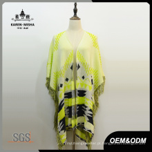 Poncho de casaco de lã listrado amarelo