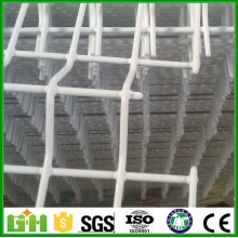 Pagar Kawat Mesh Dilas dengan Ground Screw Post