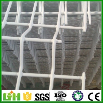 Weld Wire Mesh Fencing dengan Post Screw Ground