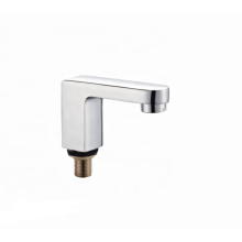 Factory Deck-Mounted  brass  bathtub faucet mixer surface mounted shower tap
