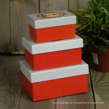 Pequeñas cajas de anidamiento de papel impreso personalizadas para envases de regalo