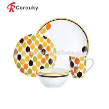 Ensemble de dîner français de bonne qualité en porcelaine