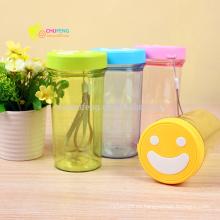 Botella de agua plástica sonriente preciosa de la cara para hacer publicidad del regalo