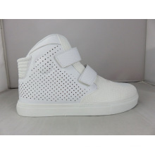 El nuevo diseño ahueca hacia fuera los zapatos de la comodidad, zapatos del patín