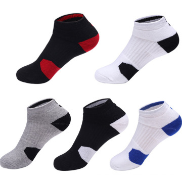 Men′s Fashion Socks with 3D Print Technic Which Is Soft