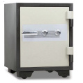 Electronic hotel safe locker