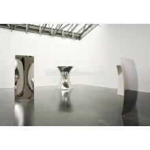 Anish Kapoor stainless steel mirrow sculpture