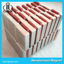 Chine Fabricant Super Forte Haute Qualité Rare Terre Fritté Permanent Vent Générateur Aimant / NdFeB Aimant / Néodyme Aimant