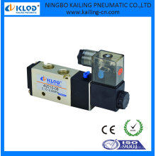 4V210-08 Pilot Acting Solenoid Valve 5/2 Way