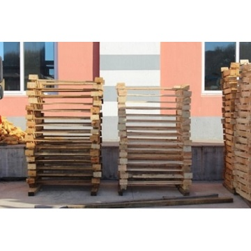 The graphite wooden pallet