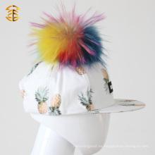 Sombrero de Snapback plano de Bill Pom Pom Pom de piel de mapache para niños con bola de piel en la parte superior