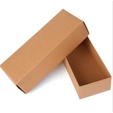 Chaussettes / Serviette / Foulards / Sous-vêtements / Boîte d'emballage en carton