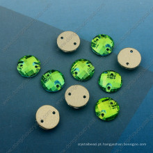 Sew redondo verde em contas de pedras