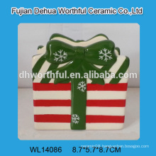 2016 newest style ceramic napkin holder in gift shape