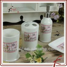 Articles de toilette en céramique en céramique de style français