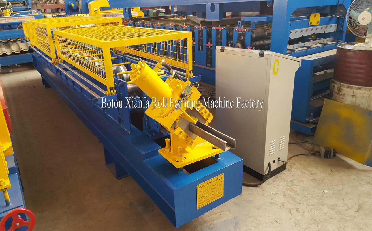 C Shape steel roll forming machine