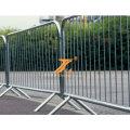Exposition sportive dédiée aux barrières de contrôle de la foule